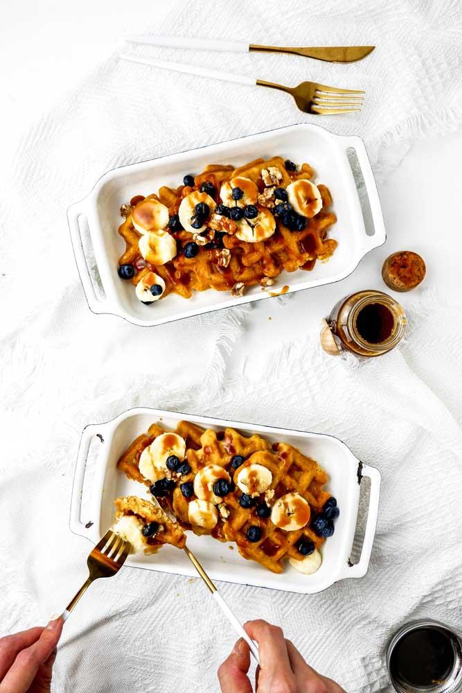 vegan simple and easy waffles
