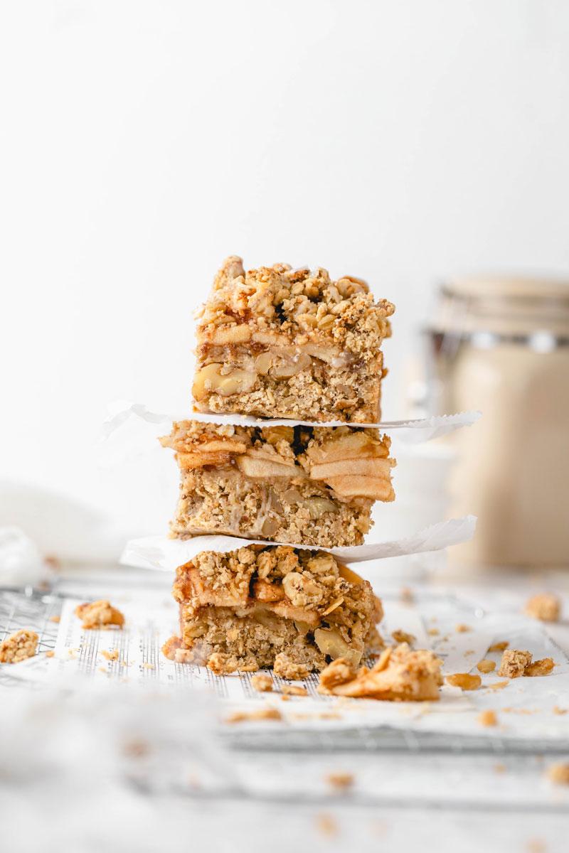 vegan apple crumble bars