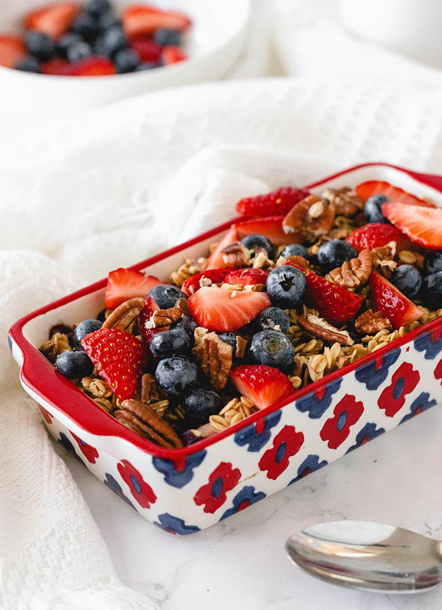 Strawberry baked oats